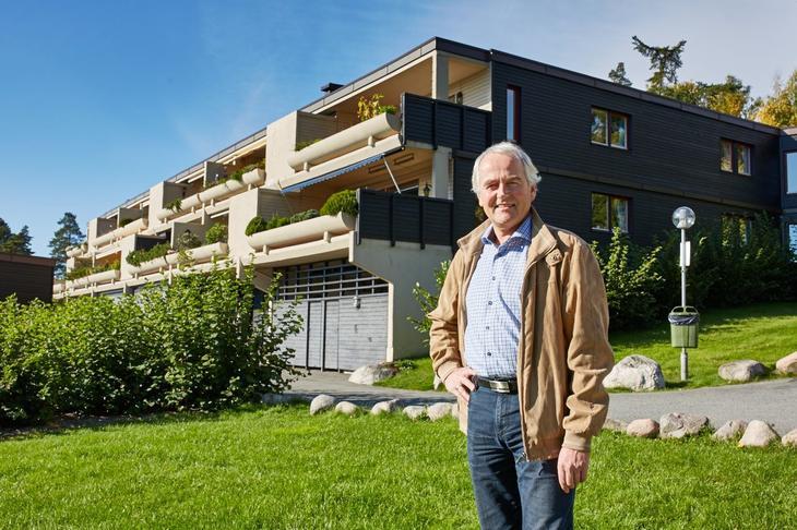 Styreleder Tom Schjerven i Løkkalia Boligsameie er godt fornøyd med ny vaktmesterordning
