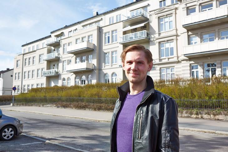 Heming Valebjørg og resten av borettslaget fikk et flott uterom med Vaktmester Andersen